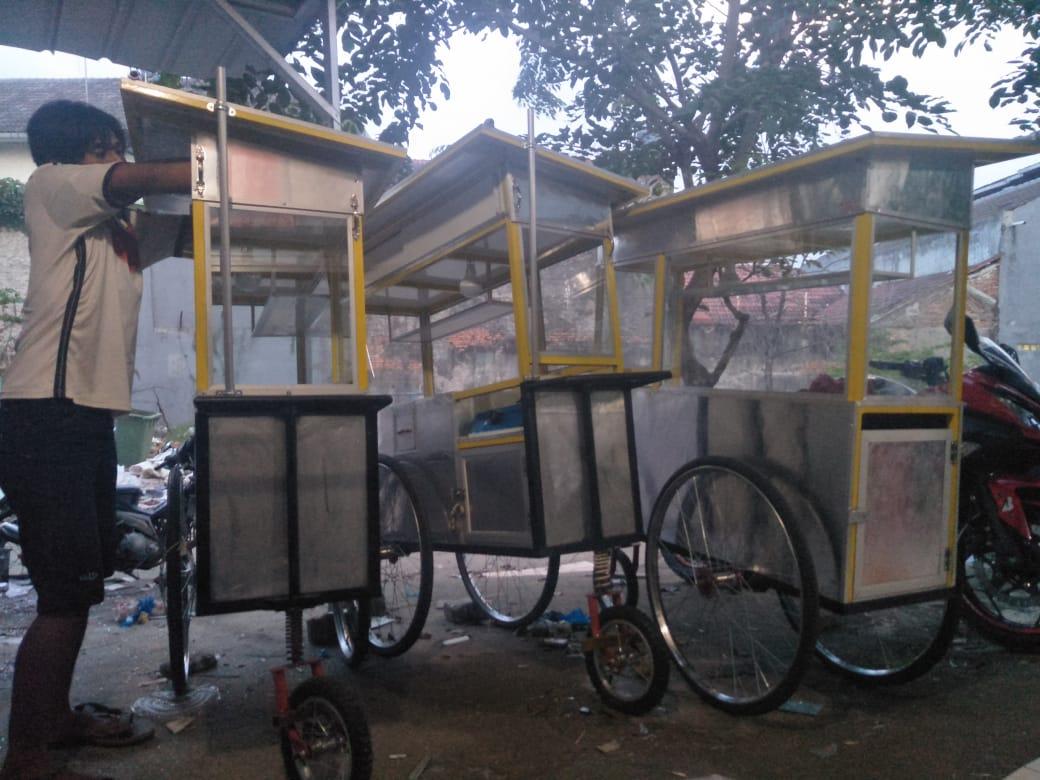 toko-tukang-aluminium-kaca-bikin-gerobak-murah-bekasi-jakarta-bogor-tangerang-depok (71)